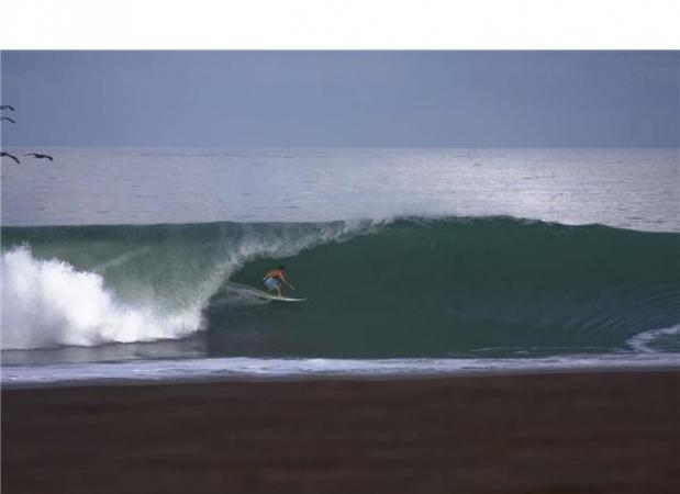 surf_jaco_beach_backyardhotel_wavecation.jpg