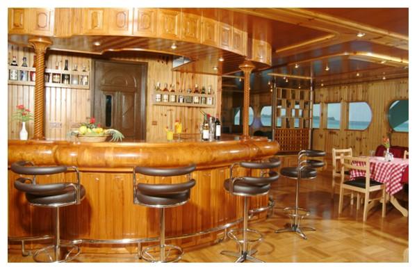 Bar and dining.jpg